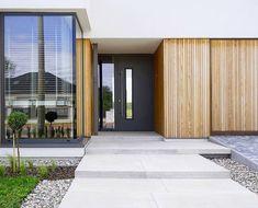 Modern Houses, Entrance, Garage Doors, Landscape, Outdoor Decor, Home Decor, Modern Homes, Entryway, Scenery