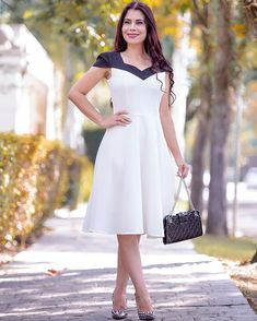 Corporate outfits, look com vestido, classy women, white dress, flare dress Fashion Vestidos, Corporate Outfits, Classy Women, Fashion Outfits, Womens Fashion, Flare Dress, Beautiful Dresses, White Dress, How To Wear