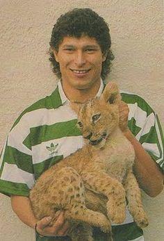 Balakov - A Balkan lion Portugal Soccer, Sport C, Good Soccer Players, Best Club, Scp, Lions, Retro, Grande, Sorting