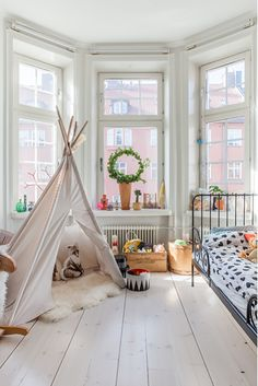 Great teepees for grandchildren!!! Bebe'!!! Great for a playroom or grand children's bedroom!!!