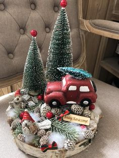 Winter Christmas, Christmas Wreaths, Christmas Decorations, Holiday Decor, Flower Boxes, Flowers, Christmas Arrangements, Advent Wreath, Diy And Crafts