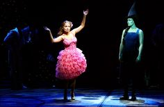 I love this show, and wish I could've seen Kristin and Idina play Galinda and Elphaba.