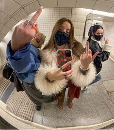 Cute Friend Pictures, Friend Photos, Cute Pictures, Urbane Fotografie, Photographie Indie, Shotting Photo, Need Friends, Drunk Friends, Teenage Dirtbag