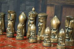 Gothic Heads Chess Set Customisable Colours от WinkingBlindBats