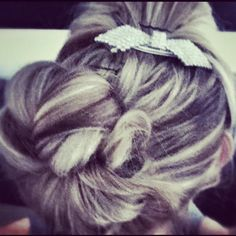Amazingly Beautfil hair :). I love this authentic and classy with a spaz!!!!