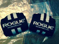 "CrossFit - Rogue Wrist Wraps Short (12"") - Black/White"