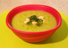 Broccoli and cauliflower soup with coconut flour. If you want to try this recipe visit my blog. Paleo and lactose free meal.