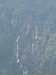 Yellapur Photos - Check out ಯಲ್ಲಾಪುರ ಚಿತ್ರಗಳು, ಮಾಗೋಡ್ ಜಲಪಾತ photos, Magod Falls images & pictures. Find more Yellapur attractions photos, travel & tourist information here.