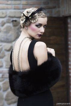 Trucco e mood anni 20 Ph: Pietro Piacenti Mua: Donatella Alberino, Simona Pesciaioli, Muse Make up Hair Stylist: Sara Style Fashion Designer: Giulia Grincia Model: Valdemara Mor