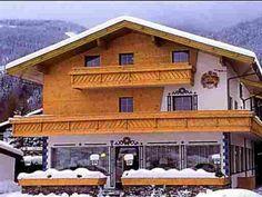 GASTHOF GOETZNERHOF*** - se afla in regiunea de schi Axamer Lizum, la circa 7 km departare de Innsbruck si circa 8 km departare de partiile ...