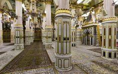 Every Muslim Must Visit this 9 Holy places in Riyadh al Jannah - رياض الجنة 1. Al Rawdah. 2. Mehrab an'Nabawi. 3. Astawan Mukhalaqah. 4. Astawan Hars. 5. Astawan Abi Lubaba. 6. Astawan Wufood. 7. The entrance of Hujra Sa'da (where Prophet Mohamed ASWS is buried with Omar bin Khattab RA & Abi Baker RA). 8. The place where House of Ali ibn Talib RA used to be. 9. The area which was part of Al Masjid Al Nabawi from the beginning. Pic by - Riyadh al Jannah - رياض الجنة
