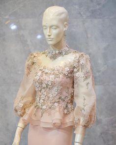 Kebaya Lace, Kebaya Dress, Dress Brukat, Dress Outfits, Fashion Dresses, Gala Dresses, Couture Dresses, Dress Muslim Modern, Model Kebaya Modern