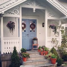 This porch! Credit @helene_dahle ❤️❤️