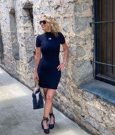 Michelle Edwards (@arebelinprada) • Instagram-Fotos und -Videos Short Sleeve Dresses, Dresses With Sleeves, Shirt Dress, T Shirt, Videos, Instagram, Fashion, Supreme T Shirt, Moda