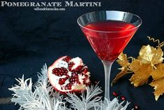 Sweet and tart martini made with pomegranate liqueur, vodka, honey liqueur, and pomegranate juice. New Years Cocktails, Fun Cocktails, Cocktail Recipes, Holiday Cocktails, Pomegranate Drinks, Pomegranate Liqueur, Pomegranate Seeds, White Chocolate Mocha, Chocolate Martini