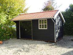 1. Houten grenen garage 15m2