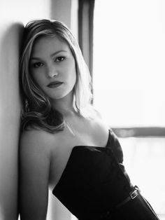 I like analyzing human behavior. It's complex. That's what keeps me going. Julia Stiles