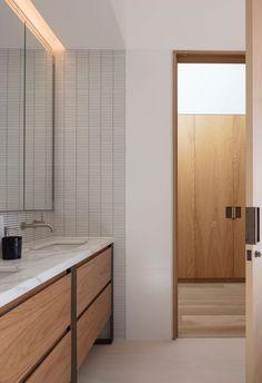 The studio's latest project, Methuen residence, is a pristine example of Danie… - Renovieren Contemporary Bathrooms, Modern Bathroom, Minimalist Bathroom, Gold Bathroom, Bathroom Vanities, Saunas, Bathroom Interior Design, Layout Design, Bathroom Inspiration
