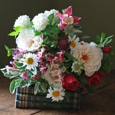 The Real Flower Company English Wild Flowers & Margaret Merril