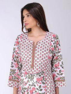 Salwar Neck Designs, Kurta Neck Design, Neck Designs For Suits, Sleeves Designs For Dresses, Kurta Designs Women, Dress Neck Designs, Blouse Designs, Neckline Designs, Indian Designer Suits