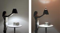 Supergiu. Luceplan. Un simple gesto para interactuar con la luz, directa e indirecta a través de un sistema mecánico de forma homogénea. Dos escenarios de iluminación completamente diferentes que se pueden obtener con un solo dispositivo. Hecho en aluminio. Diseñadores: D. Rissoi y R. Tedesco. http://www.lamparasoliva.com/outlet/supergiu-luceplan.html