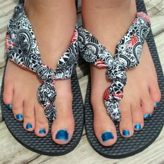 No sewing required to make these cute knotted fabric flip flops!