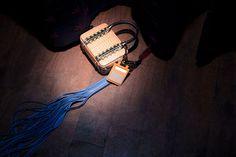 Dodici i creativi finalisti di Who is On Next? Donna 2017 da tenere assolutamente d'occhio. Oggi vi presentiamo Amanti brand della designer Filomena Manti in cui il rigore del made in Italy si arricchisce di note etniche dando vita a borse dai dettagli innovativi ed autentici. Scopri di più su http://ob-fashion.com/amanti/  #moda #madeinitaly #borse #brandemergenti #obfashion #obtalents #designeremergenti #fashion #bags #luxury