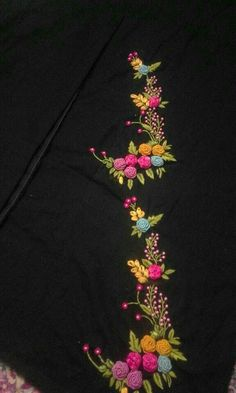 Best 12 Hand Embroidery Full Kit Modern Flower-beginner embroidery kit-embroidery hoop art-floral embroidery personalized gifts for women – SkillOfKing. Hand Embroidery Patterns Flowers, Kurti Embroidery Design, Hand Embroidery Videos, Hand Work Embroidery, Embroidery On Clothes, Embroidery Flowers Pattern, Flower Embroidery Designs, Simple Embroidery, Hand Embroidery Stitches