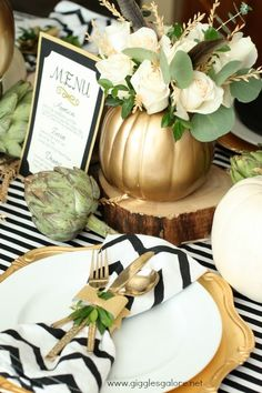 Love the presentation and details of this table setting done by the amazing @gigglesgalore on her blog today about Holiday Entertaining some fabulous tips!  http://gigglesgalore.net/holiday-entertaining-tips-thanksgiving-table/