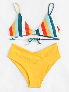 Striped Print Top With Criss Cross Bikini Set -SheIn(Sheinside) Summer Bathing Suits, Girls Bathing Suits, Summer Suits, Bikini Sets, The Bikini, Bikini Swimwear, High Cut Bikini, Criss Cross Bikini, Cute Swimsuits
