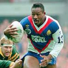 Ellery Hanley playing for Great Britain.