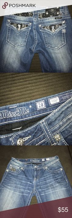 Miss me capris Miss me capris worn 3x  in excellent condition the have flap pockets with some bling !! Miss Me Jeans
