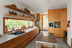 House in Azpitia by Estudio Rafael Freyre Home Decor Kitchen, Interior Design Kitchen, Home Kitchens, Ideas Cabaña, Küchen Design, House Design, Mid Century Modern Kitchen, Kitchen Models, House Built