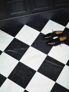Billedresultat for marmor fliser Wet Room Flooring, White Flooring, Hall Tiles, Entry Tile, Floor Molding, Moulding, Windsor House, Checkerboard Floor, Checkered Floors
