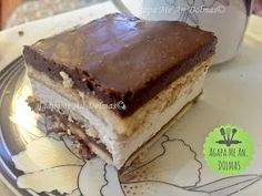 παστα ταψιου Dessert Recipes, Desserts, Tiramisu, Ethnic Recipes, Food, Cupcake, Happy Birthday, Vase, Tailgate Desserts