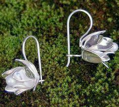 Zee Bee Market LLC - Lotus Flower and Pearl Sterling Silver Earrings