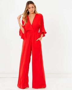 Buy Marta Jumpsuit by Tussah online at THE ICONIC. Free and fast delivery to Australia and New Zealand. Jumpsuit Formal Wedding, Formal Jumpsuit, Winter Fashion Outfits, Spring Outfits, Jumpsuit Elegante, Jumpsuit Pattern, Jumpsuit Outfit, Long Jumpsuits, Overall Shorts