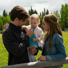 """""""Ruby and Emmanuella Spencer, the twins playing Amy & Ty's daughter Lyndy on Heartland, have grown in the year since they first appeared in season See them again when season 12 premieres on Sunday, January 6 at on 🙂👍🏼🙂 Amy And Ty Heartland, Heartland Quotes, Heartland Ranch, Heartland Tv Show, Heartland Seasons, Spencer Twin, Ty Et Amy, Ty Borden, Netflix"""