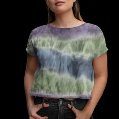 Tie-dye print women cropped tee Athleisure Outfits, Crop Tee, Mercury, Street Wear, How To Make, How To Wear, Tie Dye, Tees, Clothes