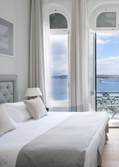 Poseidonion Grand Hotel on Spetses, Greece: contemporary luxury meets old-world glamour at this grand hotel Greece Hotels, Hotel Architecture, Greece Holiday, Tiny House Living, Living Room, Hotel Decor, Contemporary Interior Design, Grand Hotel, Coastal Living