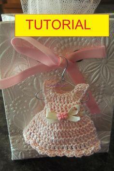 Barbie Crochet Gown, Crochet Doll Clothes, Crochet Dolls, Crochet Hats, Crochet Baby Booties, Crochet Bunny, Baby Blanket Crochet, Crochet For Kids, Crochet Keychain