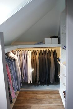 Perfect solution! Attic Closet, Closet Bedroom, Attic Master Bedroom, Upstairs Bedroom, Bedroom Wardrobe, Home Bedroom, Attic Bedroom Storage, Attic Conversion, Spare Room