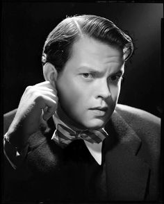 Orson Welles, 1942, photo by Ted Allan