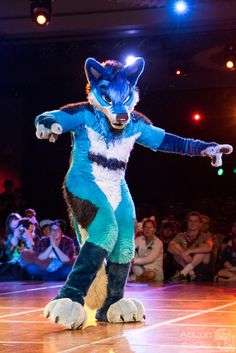 FWA2016-1226 (AoLun08) Tags: costume furry convention anthropomorphic anthro fursuit fwa fursuiter fursuiting furryweekendatlanta furryweekendatlanta2016 fwa2016