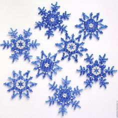 Snowflakes beaded blue
