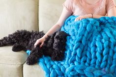Becozi Giant knit Merino wool blanket. Perfect for snuggling) PIN it for later!