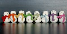 mini snowmen crochet pattern
