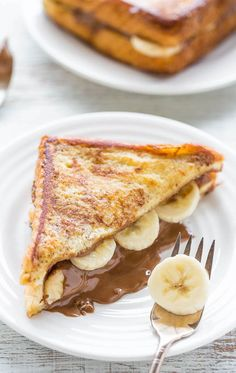 Chocolate Peanut Butter Banana Stuffed French Toast Chocolate Peanut Butter Banana-Stuffed French Toast - A decadent twist on peanut butter and banana sandwiches! Great for lazy weekend mornings or holiday brunches! Easy and the BEST French toast ever! Brunch Recipes, Breakfast Recipes, Dessert Recipes, Breakfast Sandwiches, Healthy Desserts, Breakfast Ideas, Sweet Recipes, Think Food, Love Food