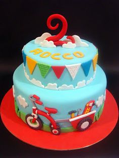 butter hearts sugar tricycle cake /// LOVE THE GREENERY + RED TRICYCLE