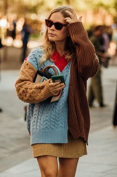 Knitwear Fashion, Knit Fashion, Fashion Outfits, Fashion Fashion, Hand Knitted Sweaters, Mode Inspiration, Colorful Fashion, Refashion, Street Style Women
